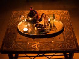 Té y dátiles en el Aljibe de San Miguel de Granada