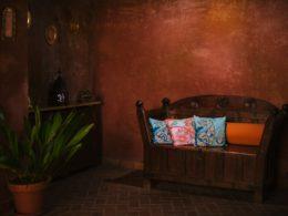 Recibidor de ambientación nazarí en el Aljibe de San Miguel de Granada