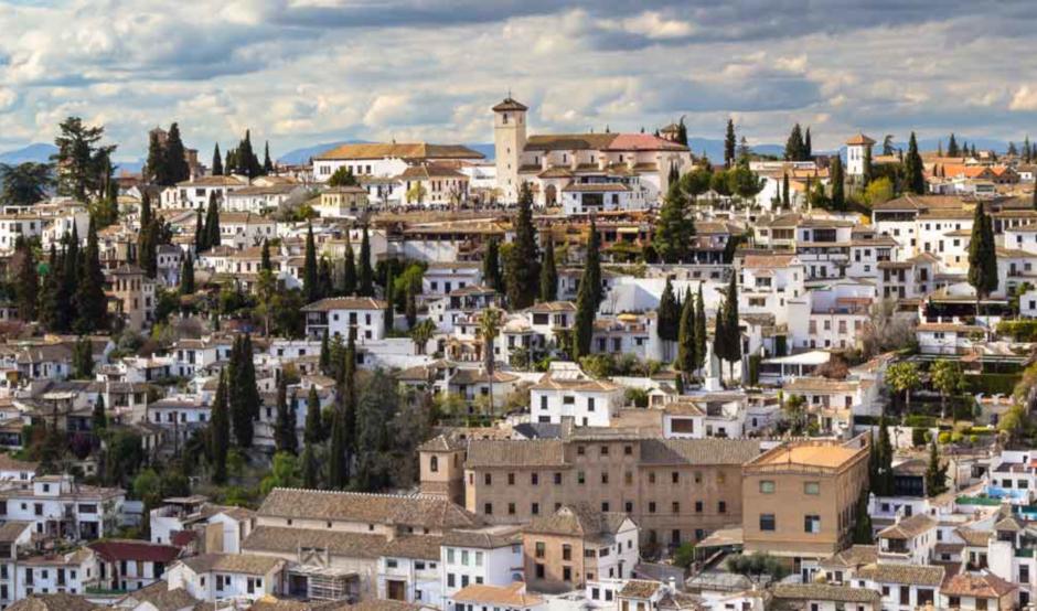 Tour Albaicín y Sacromonte y sesión de baño árabe en el Aljibe de San Miguel de Granada